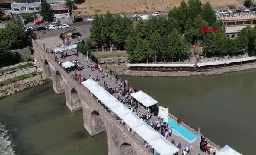 TURİZMCİLER ROTASINI DİYARBAKIR'A ÇEVİRDİ