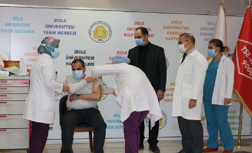 DİYARBAKIR'DA 239 BİN KORONA AŞISI YAPILDI